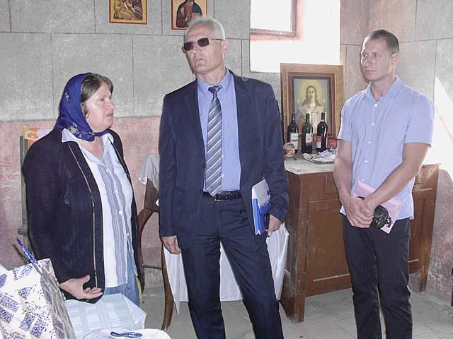 predsednik_i_zamenik_u_crkvi_u_Dobrovisu